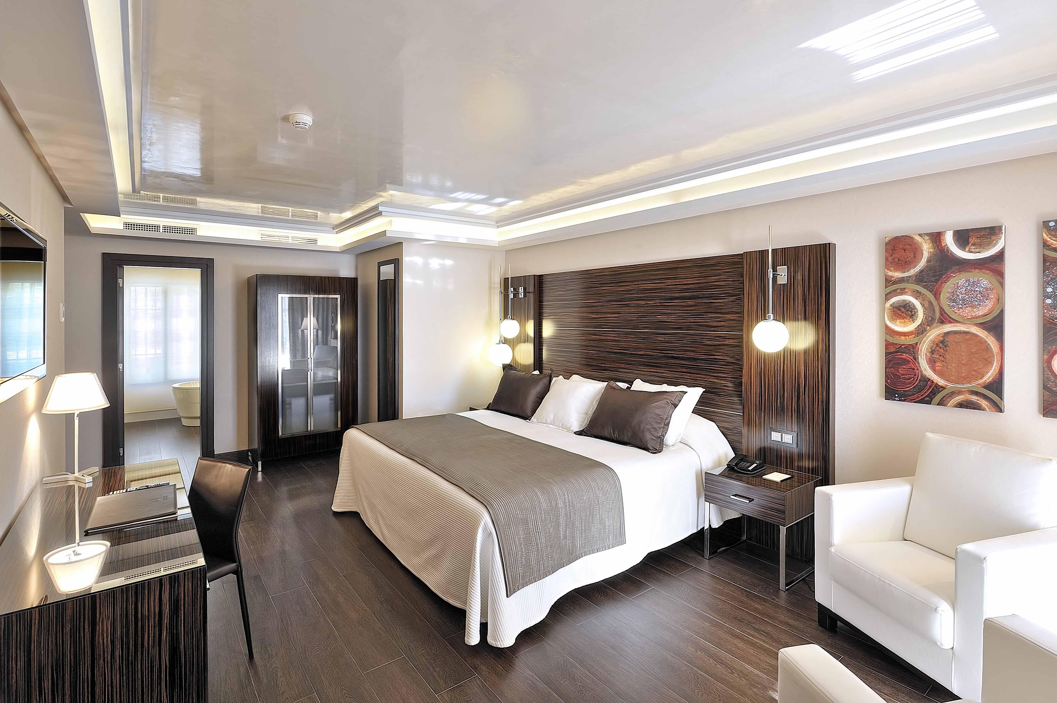 Los habitaciones y los precios anciano pero contento for Hoteles para 5 personas